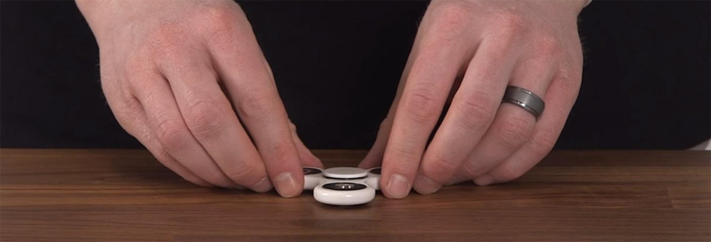 trucos con spinner sobre una mesa